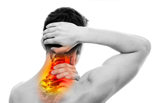 Đau vai gáy do các bệnh lí xương khớp – Nguy hiểm không thể xem thường.