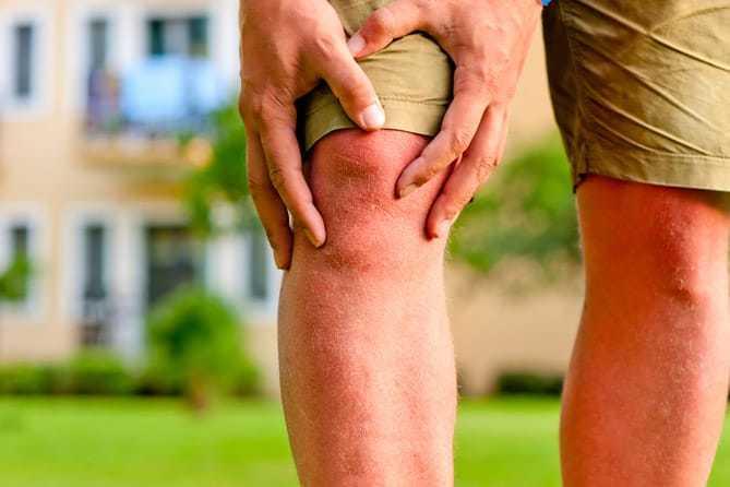 Khớp gối có hiện tượng đau nhức trong thời gian bệnh phát triển
