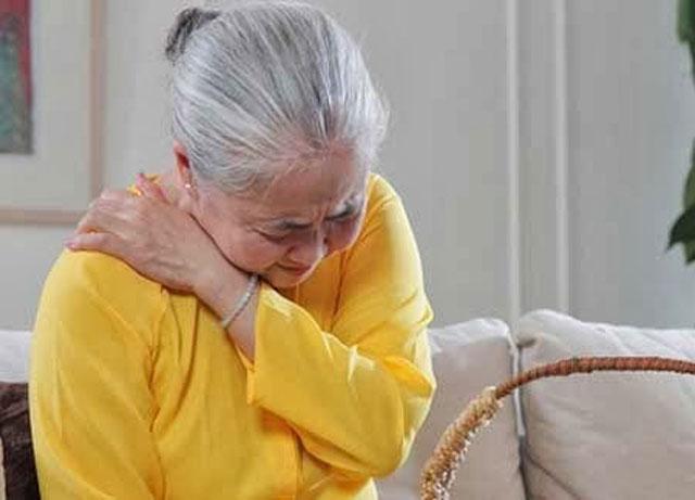 Image result for người già đau nhức