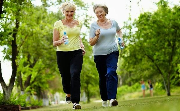 Tập thể thao vừa sức là cách chống lại bệnh tật một cách hiệu quả.
